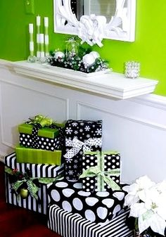 #Christmas gift #wrapping ideas ToniK ⓦⓡⓐⓟ ⓘⓣ ⓤⓟ #DIY #crafts green black