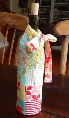 Sew SpoolHardy Girl's Drawstring Patchwork Wine Bag - A Free Tutorial!