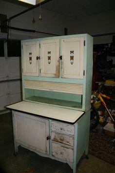 Sellers Pride No. 528 Hoosier Cabinet, original paint and hardware