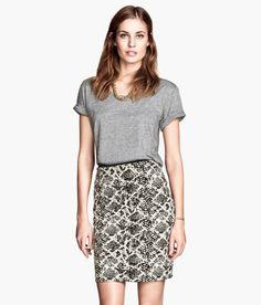 H&M snakeskin pencil skirt $18