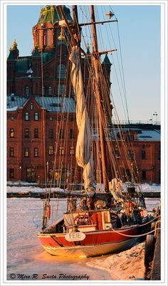 Helsinki Sailing on the Ice by mirosu Gold Star Critiquer/Gold Note Writer Lofoten, Great Places, Places To Visit, Beautiful Places, Finland Destinations, Saint Marin, Scandinavian Countries, Baltic Sea, Winter Scenes