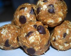 Ingredients: 1 cup dry oatmeal 1/2 cup peanut butter 1/2 cup ground flaxseed 1/2 cup chocolate chips 1/3 cup honey 1 tsp. vanilla