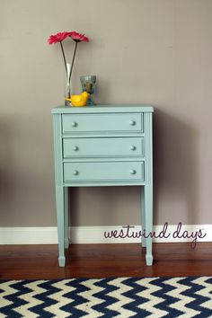 End table refurbish with Americana Decor Chalky Finish. #chalkpaint