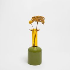 Image 1 of the product GREEN AND YELLOW GLASS VASE