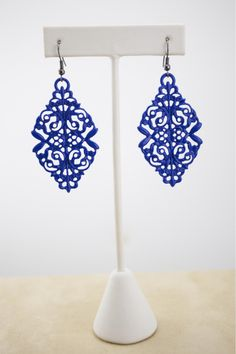 Dressing Your Truth - Type 4 Modern Classic Earrings Blue