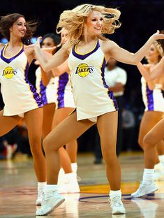 News from around the web. Cute Cheer Pictures, Team Pictures, 49ers Cheerleaders, Lakers Girls, Cheerleading Photos, Ice Girls, Girls Sneakers, Los Angeles Lakers, Sport Girl