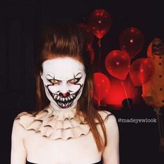 20 Maquiagens para o Halloween 2018 20 Halloween Makeups 2018 – Scary Makeups for you to make beautiful at any party! Check out our Halloween make-up suggestions. Halloween Makeup Clown, Halloween Circus, Amazing Halloween Makeup, Scary Halloween Costumes, Halloween Makeup Looks, Halloween 2018, Halloween Kostüm, Creepy Clown Makeup, Scary Clowns
