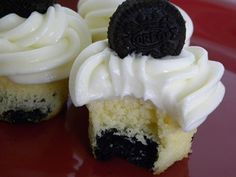 Oreo Cookies and Cream Mini Cupcakes