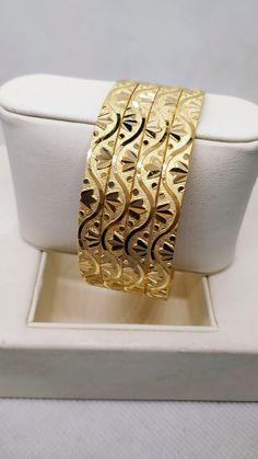 Gold Bangles Design, Jewelry Design, Gold Money, Gold Jewelry Simple, Ganesh, Daily Wear, Kerala, Cnc, Jewels