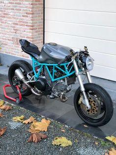 Ducati 800, Moto Ducati, Ducati Cafe Racer, Ducati Motorcycles, Cafe Racers, Custom Cafe Racer, Cafe Racer Build, Ducati Monster 600, Ducati Supersport