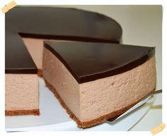 Tarta Mousse de Nutella Nutella Mousse, Mousse Cake, Just Desserts, Delicious Desserts, Yummy Food, Baking Recipes, Cake Recipes, Dessert Recipes, Mini Cakes