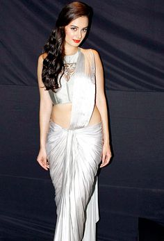 Evelyn Sharma https://twitter.com/evelyn_sharma in #Saree  from http://sonaakshiraaj.in/ Collection 'Eden with Love' @ Rajasthan Fashion Week, May, 2013 ✏ India Today