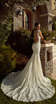 open back gorgeous wedding dress