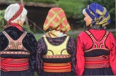 Hello all, today I am returning to Telemark, one of the richest provinces in terms of folk art and costume in Norway. Telemark has. Traditional Art, Traditional Outfits, Norwegian Clothing, Felt Shoes, Doll Stands, Folk Costume, Dress Form, Museum, Embroidery