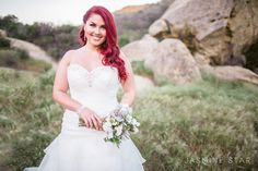 How to Pose a Curvy Bride - Jasmine Star Photography Blog