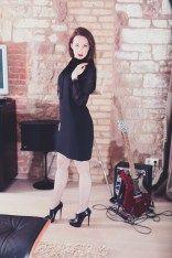 Fashionblogger Netzstrumpfhose - Louboutin Stiefel - schwarzes B Coachella, Rock And Roll, Rock Am Ring, Rolling Stones, Fashion Looks, Glamour, Fishnet Tights, Beautiful Models, Lady