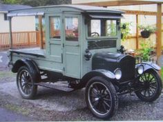 1925(?) Ford model T closed weooden cab market truck with roll-down rear canvas curtains. Antique Trucks, Antique Cars, Canvas Curtains, Ford Models, Antiques, Vehicles, Vintage Cars, Antiquities, Antique