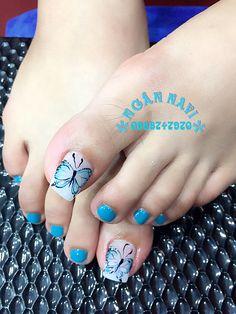 Móng chân Luv Nails, Pretty Toe Nails, Cute Toe Nails, Fancy Nails, Swag Nails, Toenail Art Designs, Pedicure Designs, Pedicure Nail Art, Diy Nail Designs