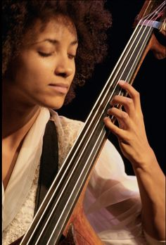 Esperanza Spalding Jazz Artists, Jazz Musicians, Music Artists, Music Icon, Art Music, Cello Art, Piano, Esperanza Spalding, Guitar Collection