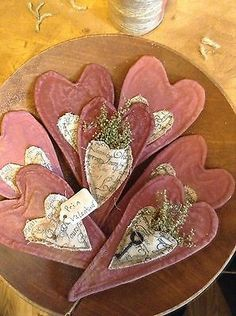 7 Primitive Grungy Valentine Heart folk art Ornies bnb