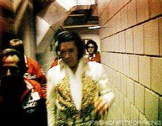 Elvis making his Last Walk to the stage - 1977