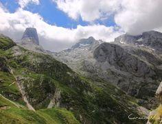 Excursión al refugio del picu Urriellu – Naranco de Bulnes Mount Everest, Mountains, World, Nature, Travel, Koh Tao, Portugal, Popular, Geography
