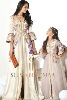 New collection Ramadan 2018 by Selma Ben Omar Arab Fashion, Muslim Fashion, Traditional Fashion, Traditional Outfits, Little Girl Dresses, Girls Dresses, Couture Dresses, Fashion Dresses, Morrocan Dress