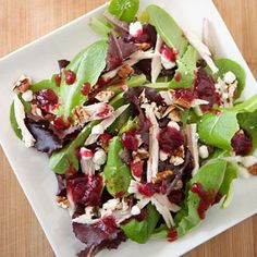 Thanksgiving Leftovers: Pulled Turkey Salad with Cranberry Vinaigrette Soup Recipes, Salad Recipes, Cranberry Vinaigrette, Leafy Salad, Turkey Salad, Thanksgiving Leftovers, Leftovers Recipes, Healthy Salads, Pecans