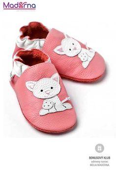 V topánkach Liliputi sa Vaše dieťa naučí chodiť tak, žepoužíva svoje prsty na nohách a svaly chodidla. Toto veľmiprispieva k vývoji rovnováhy a koordinačných schopností a posilňuje kĺby, svaly a šlachy nôh.