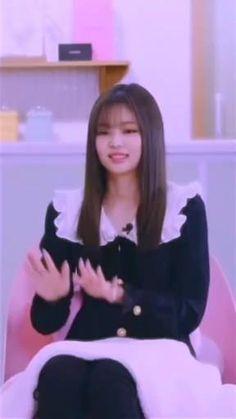 Black Pink Songs, Black Pink Kpop, Kpop Girl Groups, Kpop Girls, Pink Movies, Blackpink Debut, Chanyeol Cute, Black Pink Dance Practice, Kpop Girl Bands