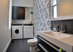 salle de lavage Stacked Washer Dryer, Washer And Dryer, Deco, Laundry Room, Home Appliances, Bathroom, Bath, Sous Sol, Deko