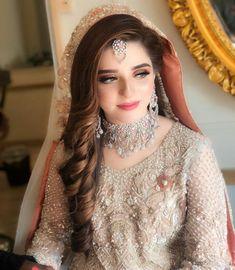 Pakistani Bridal Hairstyles, Pakistani Bridal Makeup, Indian Wedding Makeup, Pakistani Wedding Outfits, Bridal Outfits, Bride Hairstyles, Bridal Makeup Looks, Bridal Hair And Makeup, Bridal Beauty