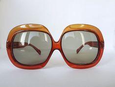 207595e0e8 1970s Christian Dior oversize sunglasses by MaisonMaudie on Etsy Anteojos,  Lentes, Gafas, Recuerdos