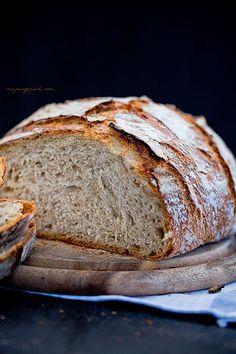 Wheat-rye bread with caraway seeds Rye Bread, Bread Rolls, Hard Bread, Caraway Seeds, Polish Recipes, Best Breakfast, Pavlova, Banana Bread, Delish