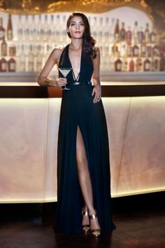 Soirée James Bond, Style James Bond, James Bond Women, James Bond Party, James Bond Theme, James Bond Dresses, James Bond Outfits, Bond Girl Dresses, Teen Dresses