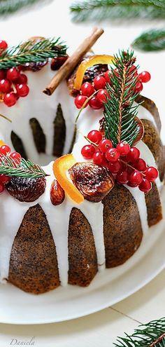 Poppy seed citrus cake,ciambella all'arancia Chiarapassion: Poppy Seed Citrus Cake – christmas bundt cake recipe Christmas Wedding Cakes, Christmas Sweets, Christmas Cooking, Holiday Cakes, Holiday Desserts, Christmas Bundt Cakes, Xmas Cakes, Christmas Garlands, Cake Wedding