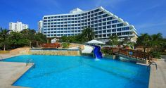 Hilton Cartagena Hotel, Colombia - Sun & Fun in Pool's area