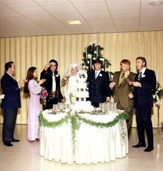 Here all the Memphis mafia at the Sony West wedding in december 28th 1970 . We can see Red West betwee Sony West and Richard Davis.