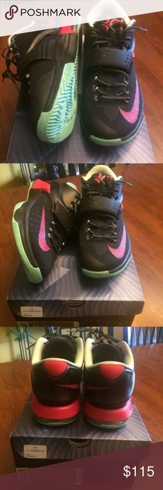 """Kd 7 """"bad apple"""" Size 11 Perfect condition Nike Shoes Sneakers"""