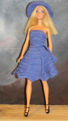 Crochet Doll Pattern, Crochet Dolls, Knit Crochet, Barbie Style, Barbie Patterns, Crochet Fashion, Doll Clothes, Strapless Dress, Knitting