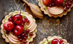 Beautiful food: dessert, Stone fruit tarts with coconut pastry cream & pistachios. Delicious Desserts, Yummy Food, Healthy Food, Healthy Sweets, Healthy Weight, Stone Fruit, Fruit Recipes, Dessert Recipes, Fruit Dessert