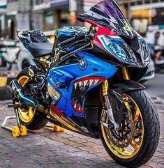 Shark is so nice Triumph Motorcycles, Cool Motorcycles, Bike Bmw, Moto Bike, Bmw S1000rr, Gs 1200 Bmw, Ducati Diavel, Yamaha Fz, Custom Sport Bikes