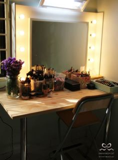 Make Up By Anna Ismail: Ikea Hacker : Vanity Table