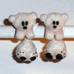 Ohrstecker Eisbär Tier handgemacht aus Fimo und Edelstahl Neuware