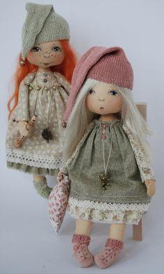 Na inspiração doll desta semana trago essas lindas dolls angelicais, notem que o rostinho e os sapatinhos delas são pintadas à mão, dando um...