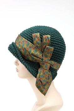 Cappello Unico, realizzato con cravatta vintage.