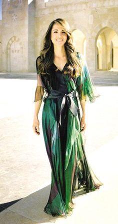 Queen Rania of Jordan. Maxi dress done well.