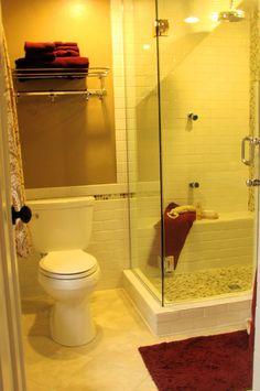 Small Bathroom Ideas with Shower. Bathroom design or layout can be a challenging task. Small Bathroom With Shower, White Bathroom Tiles, Small Showers, Bathroom Floor Tiles, Small Bathrooms, Brass Bathroom, Basement Bathroom, Master Bathroom, Tile Floor