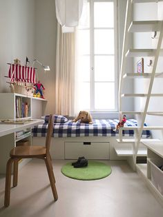 Blue, white and red for boys interior, kid bedrooms, stair, kid decor, boy rooms, kid rooms, small space bedroom kids, little boys rooms, small spaces