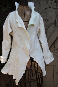 Instructions on how to make a nuno felted jacket -- no sew, seamless
